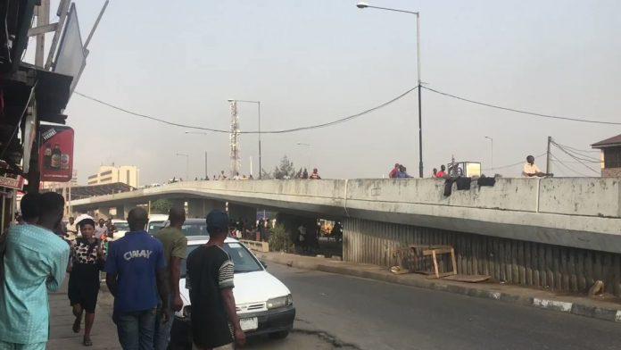 Pandemonium at Obalende, amid Gunshots between NURTW Rival Groups in Lagos