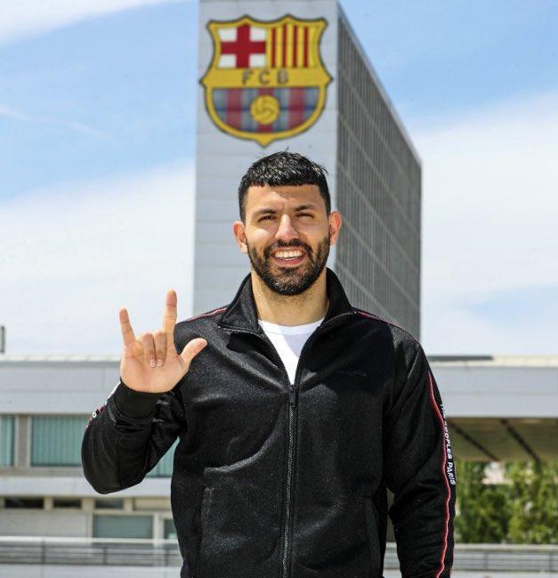 Barcelona signs Sergio Agüero on a free deal