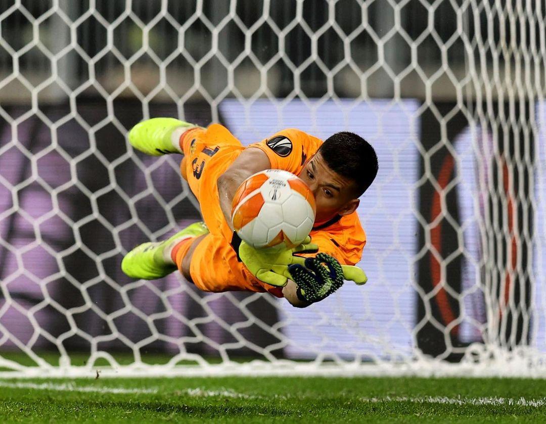 BREAKING: Villarreal defeats Manchester United to win 2020/21 Europa League