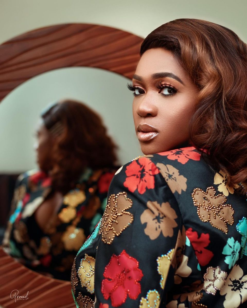 Rqpe Case: Wake up Nigeria, your women are not safe - Singer Waje cries out