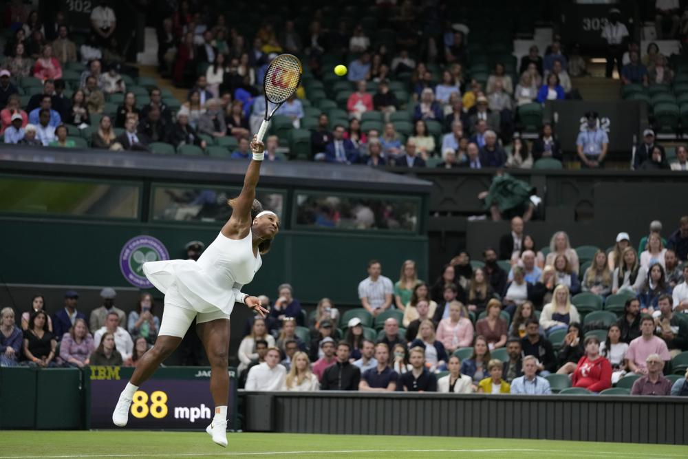Serena Williams out of Wimbledon with leg injury
