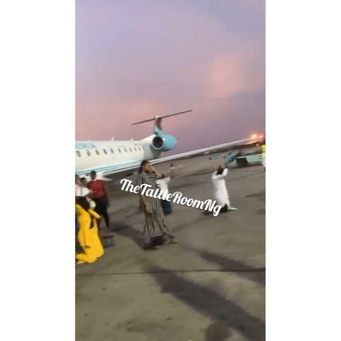 Passengers Thank God after United Nigeria Airplane from Port Harcourt to Abuja escaped crash (Video)