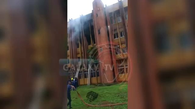 BREAKING: Federal Secretariat Asaba, Delta State Is Currently on Fire (video)