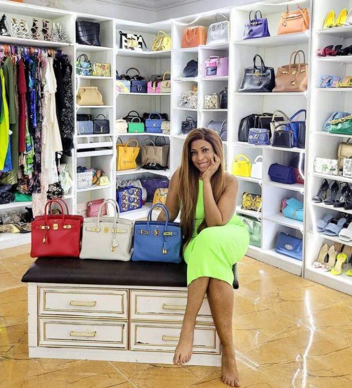 Self-made billionaire blogger, Linda Ikeji spends N30 million on Hermes Birkin bags