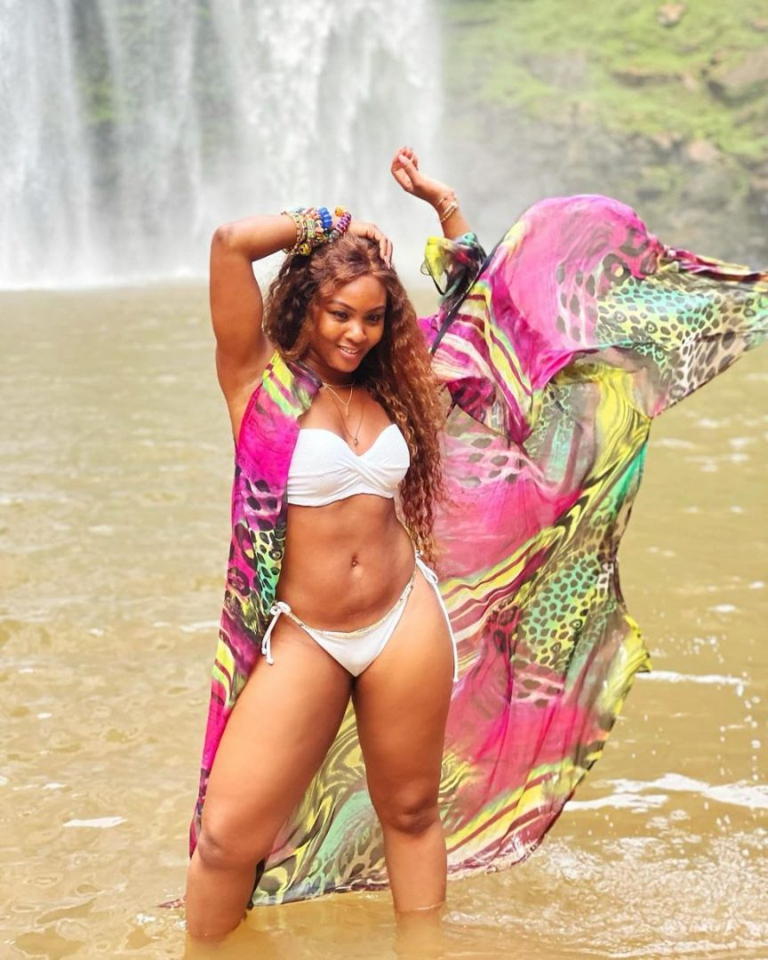 Actress Osas Ighodaro stuns out in bikini as she enjoys timeout at a waterfall (Photos/Video)