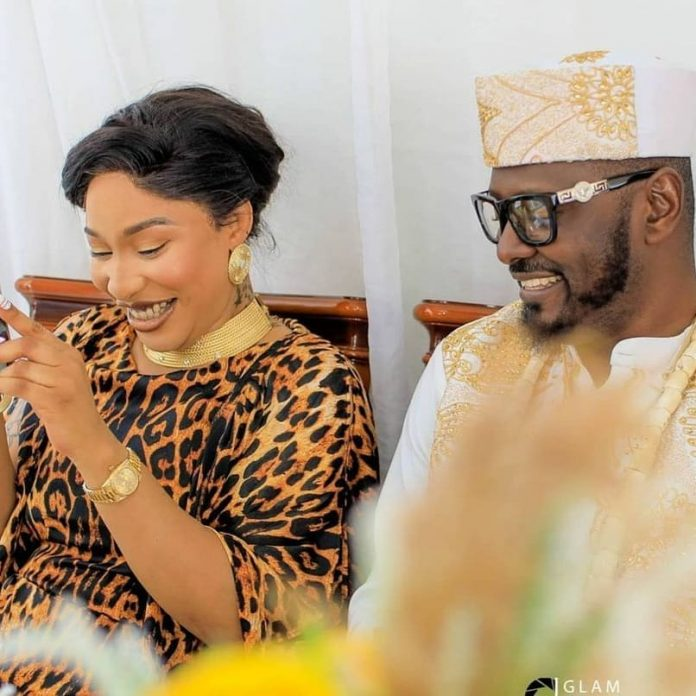 Actress Tonto Dikeh reacts as her boyfriend, Kpokpogri shows her off on social media