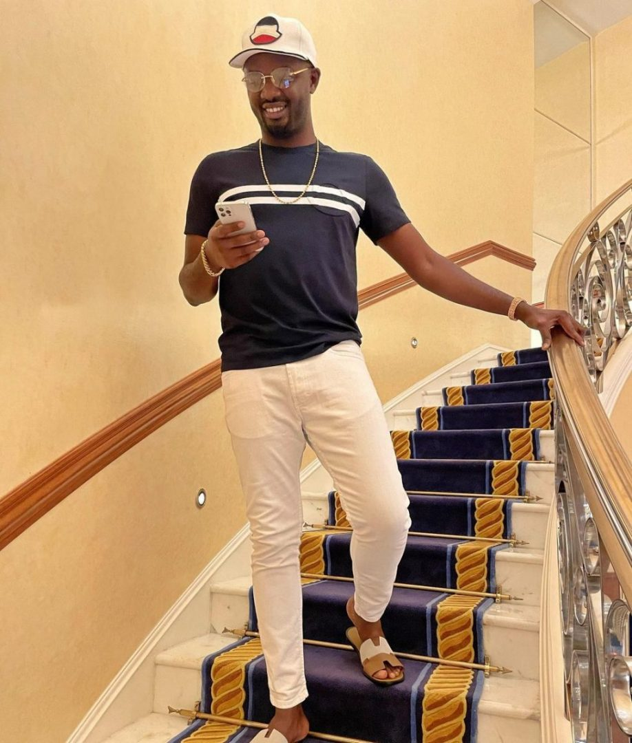 Billionaires Club: E-Money, Obi Cubana & others dine with Jowizaza in his mansion (Video)