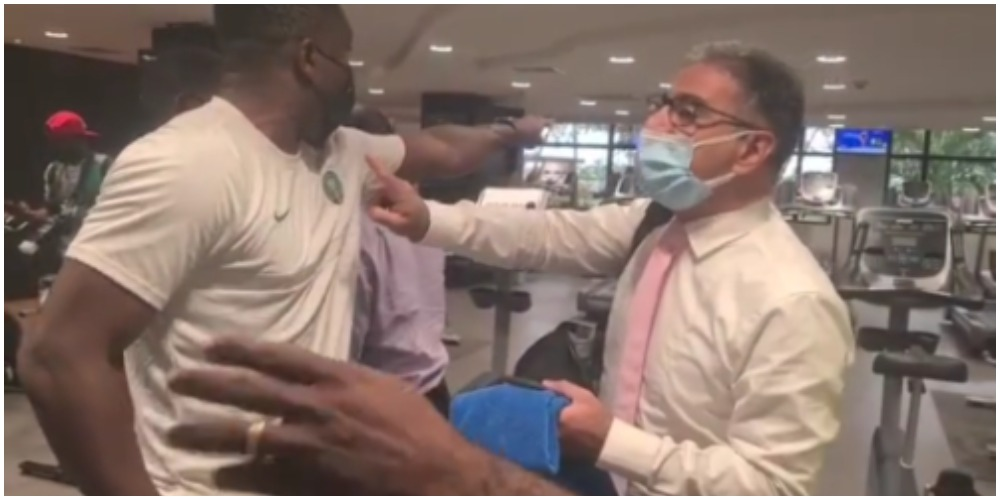 Joseph Yobo confronts Eko Hotel staff for trying to stop the Super Eagles from training (Video)