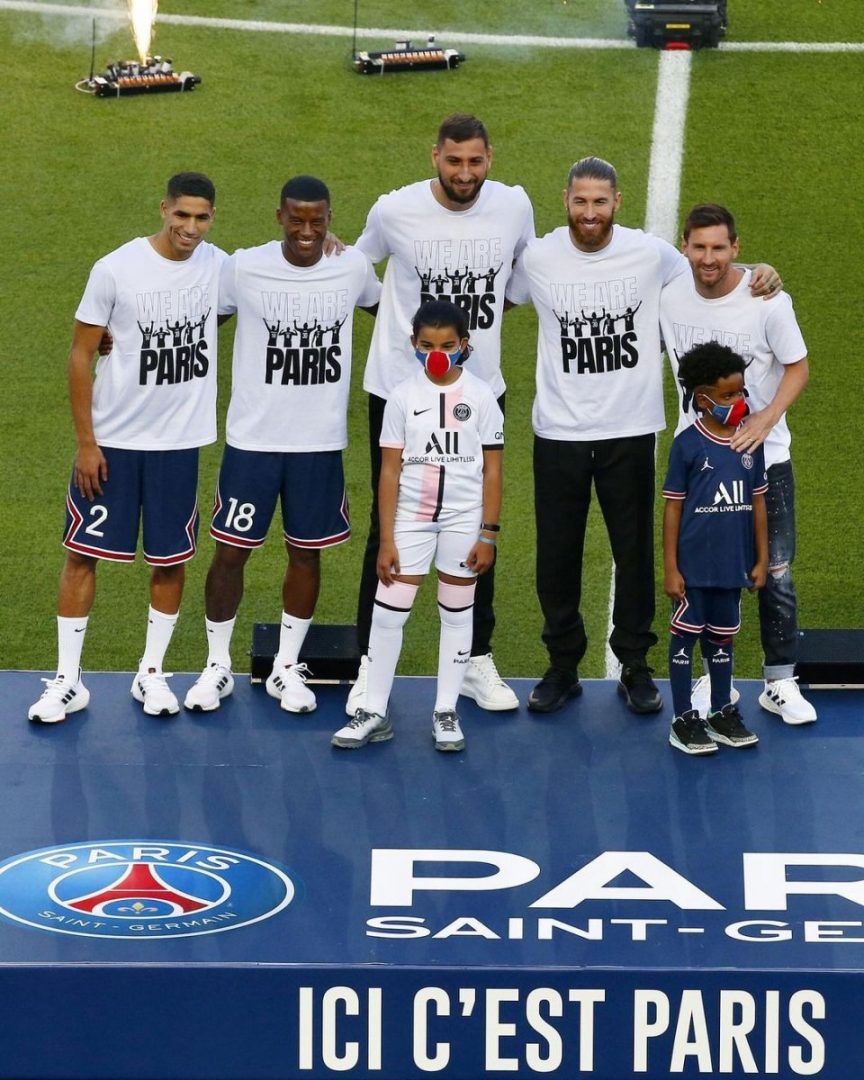 Watch moment Lionel Messi was presented to PSG fans at Parc des Princes (Video)