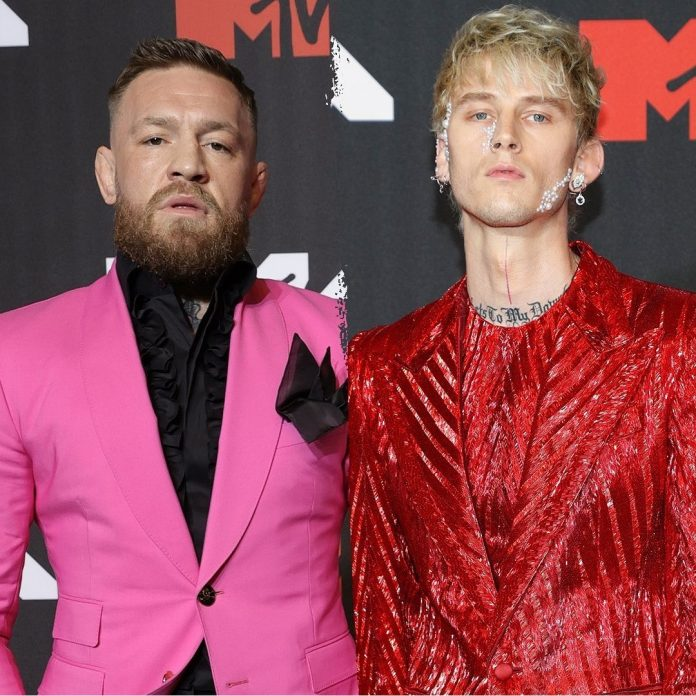 Watch Moment Connor McGregor And Machine Gun Kelly Fight on the Red Carpet at MTV VMAs (Photo/video)